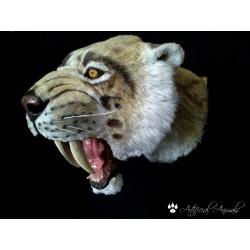 Tigre dientes de sable escala 1:1 cabeza